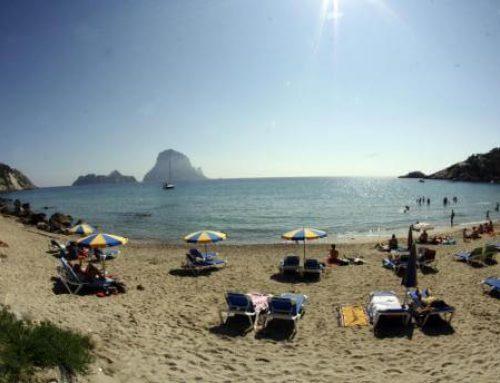 Descubre las calas más bonitas de Ibiza a bordo de un barco
